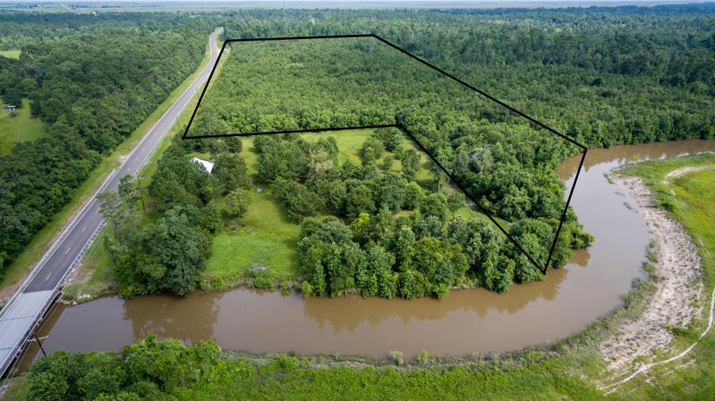 7315 FM 562 Road Property Photo - Anahuac, TX real estate listing