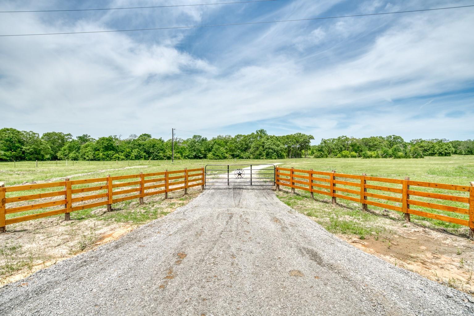 2803 Fm 2158 Property Photo