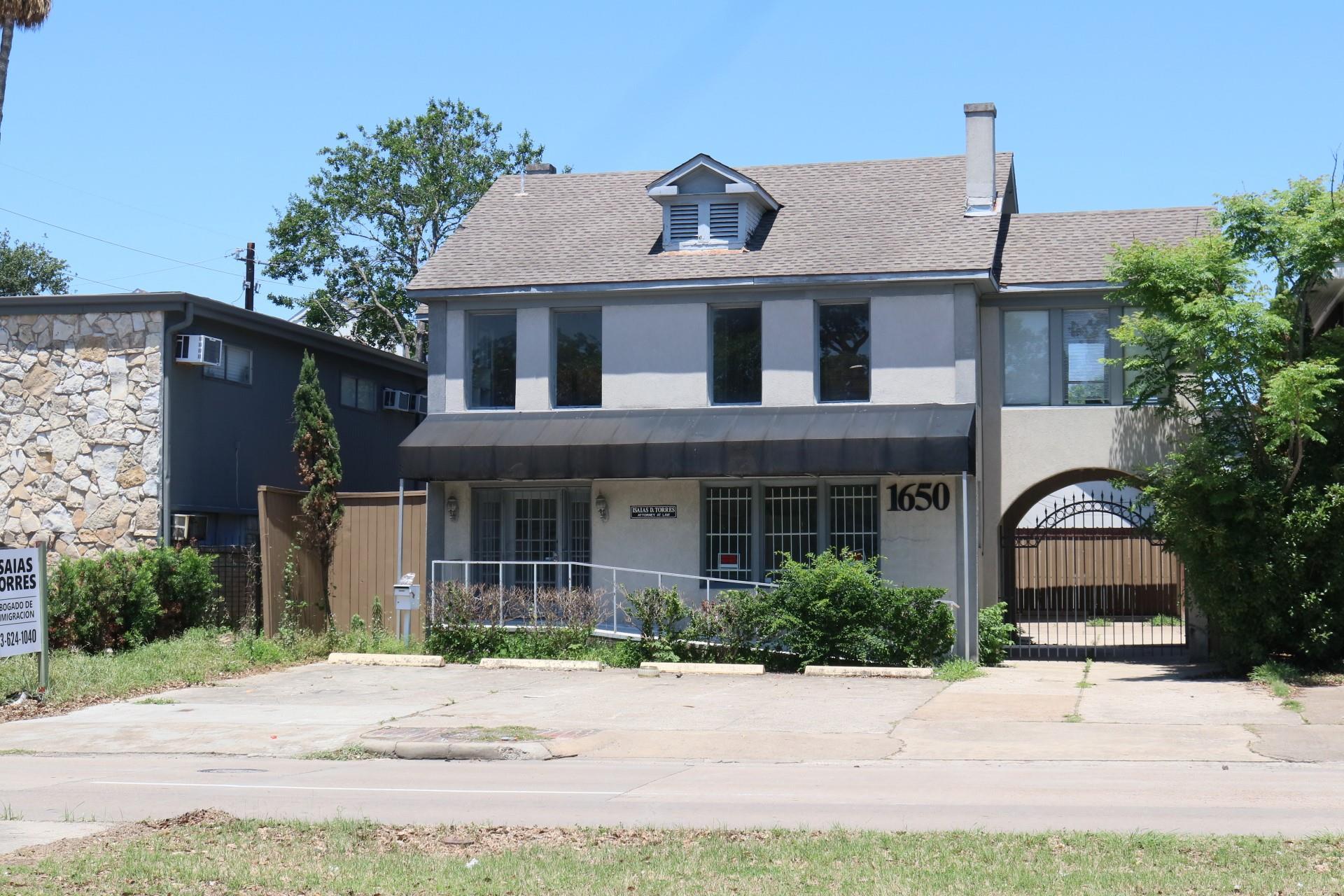 1650 Richmond Avenue Property Photo 1