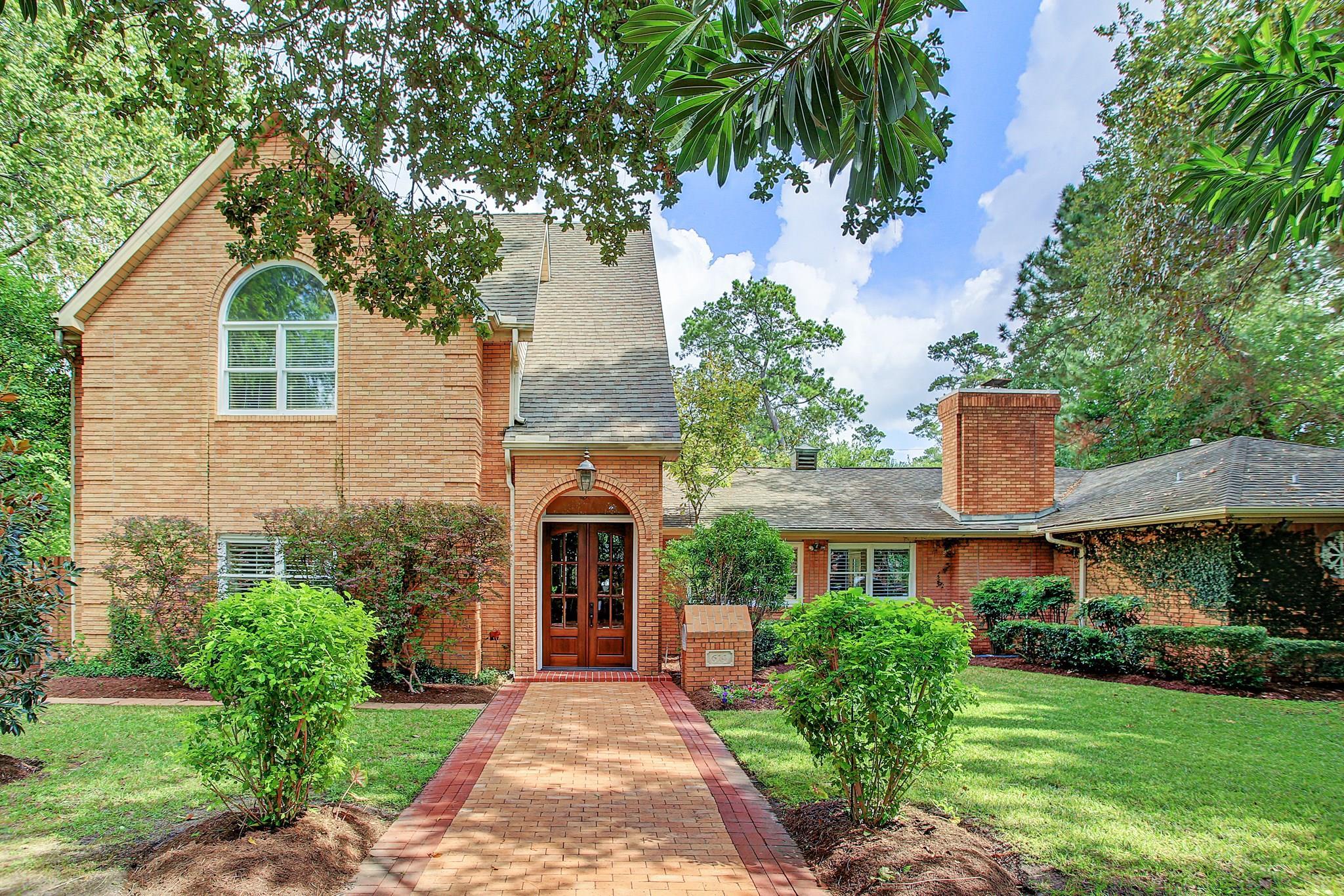 614 Lindenwood Drive Property Photo - Hunters Creek Village, TX real estate listing
