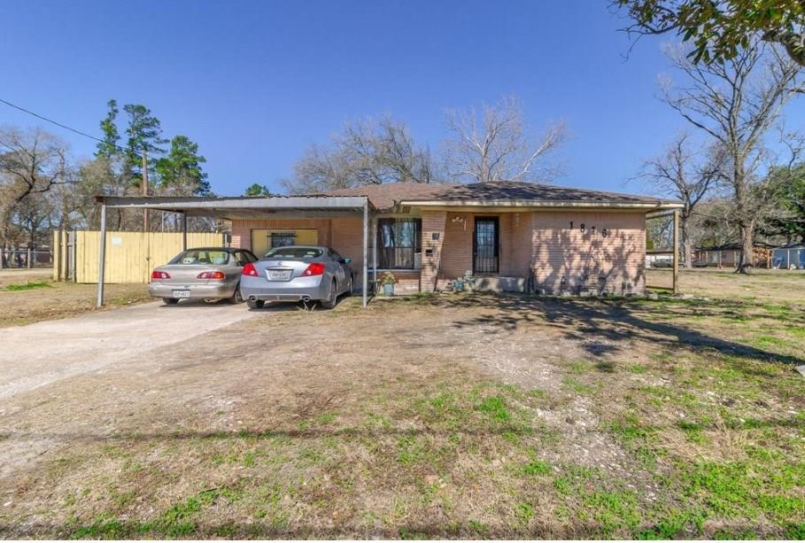 Carver H S For Applied Techengi Real Estate Listings Main Image
