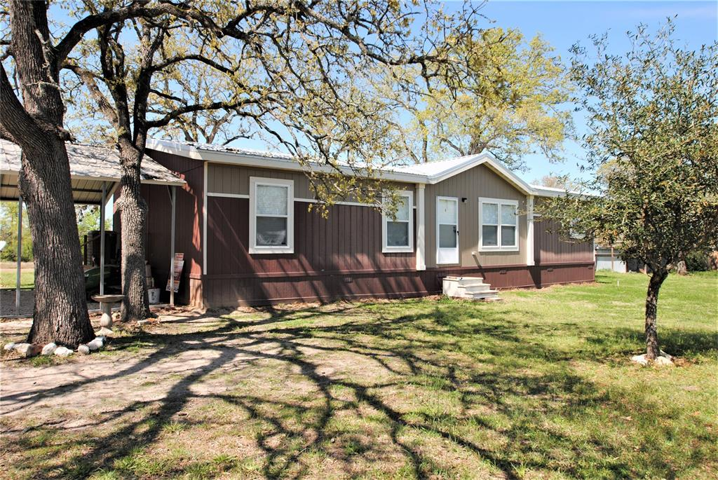 207 Yaupon Drive, Somerville, TX 77879 - Somerville, TX real estate listing