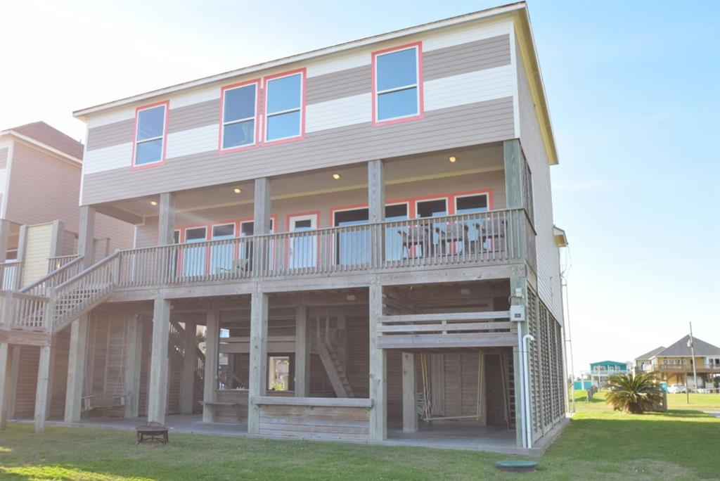 1124 Blue Water Drive Property Photo - Crystal Beach, TX real estate listing