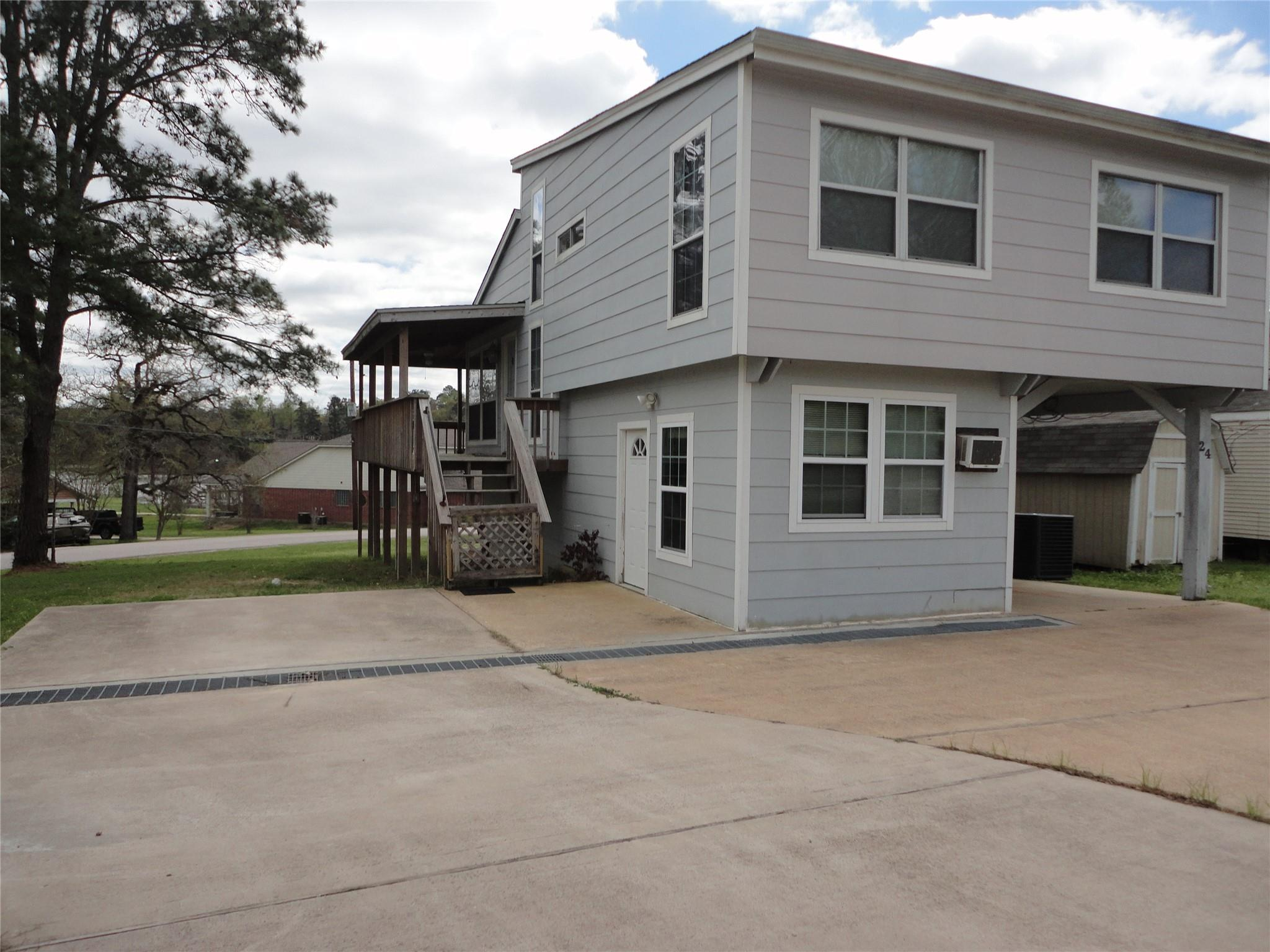 59 Lakeshore Drive Property Photo
