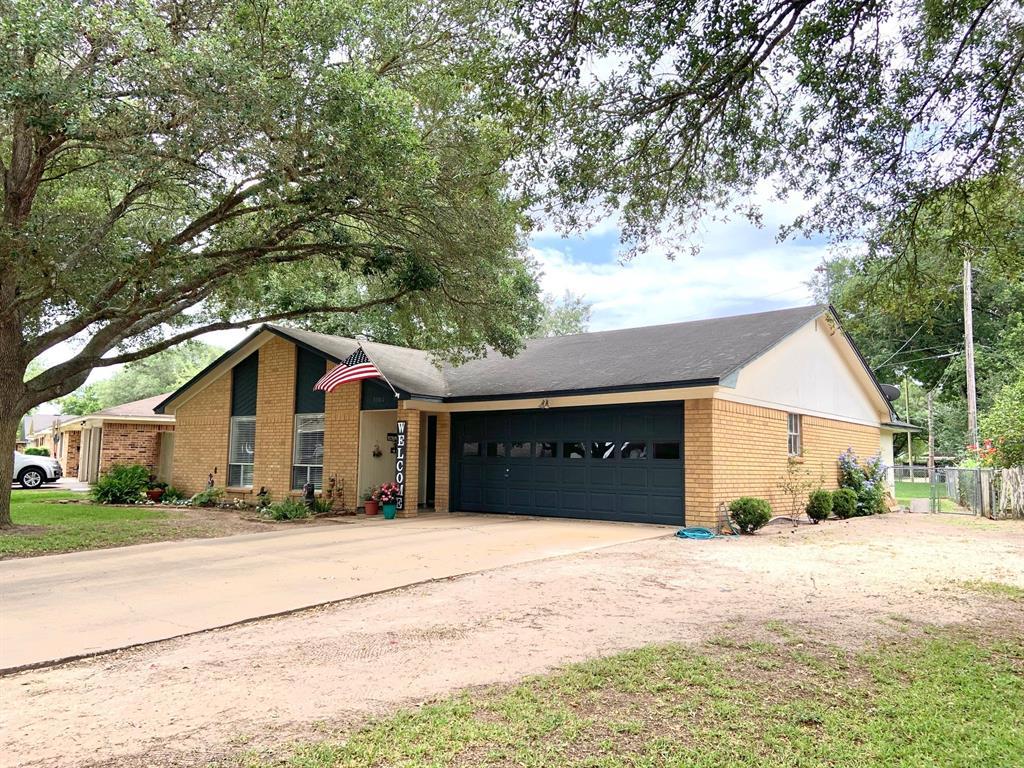 3302 Myatt Lane, El Campo, TX 77437 - El Campo, TX real estate listing