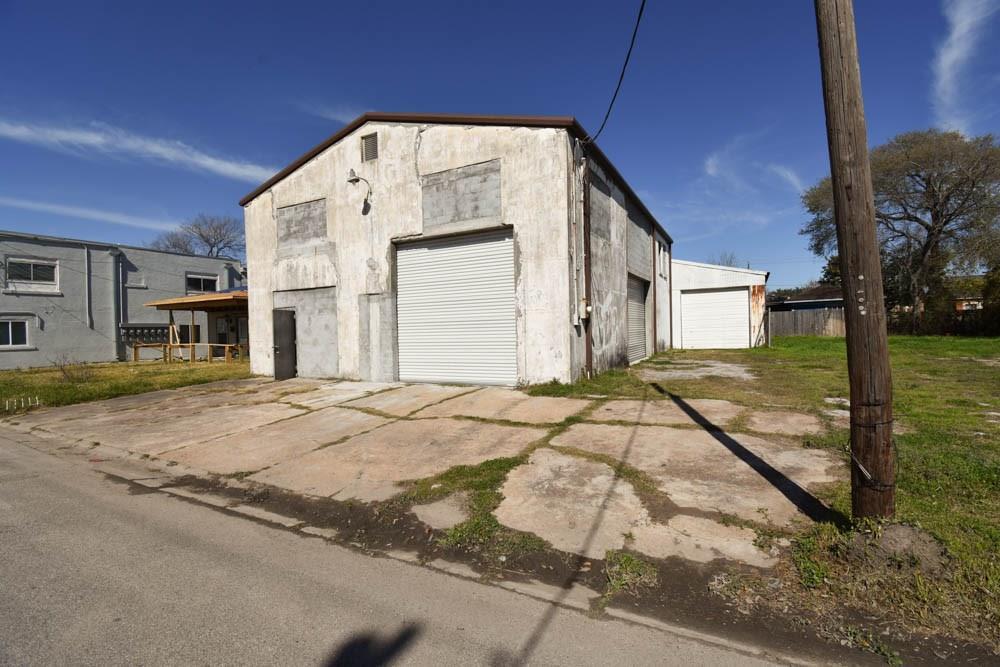 1605 1st Street Property Photo - Galena Park, TX real estate listing