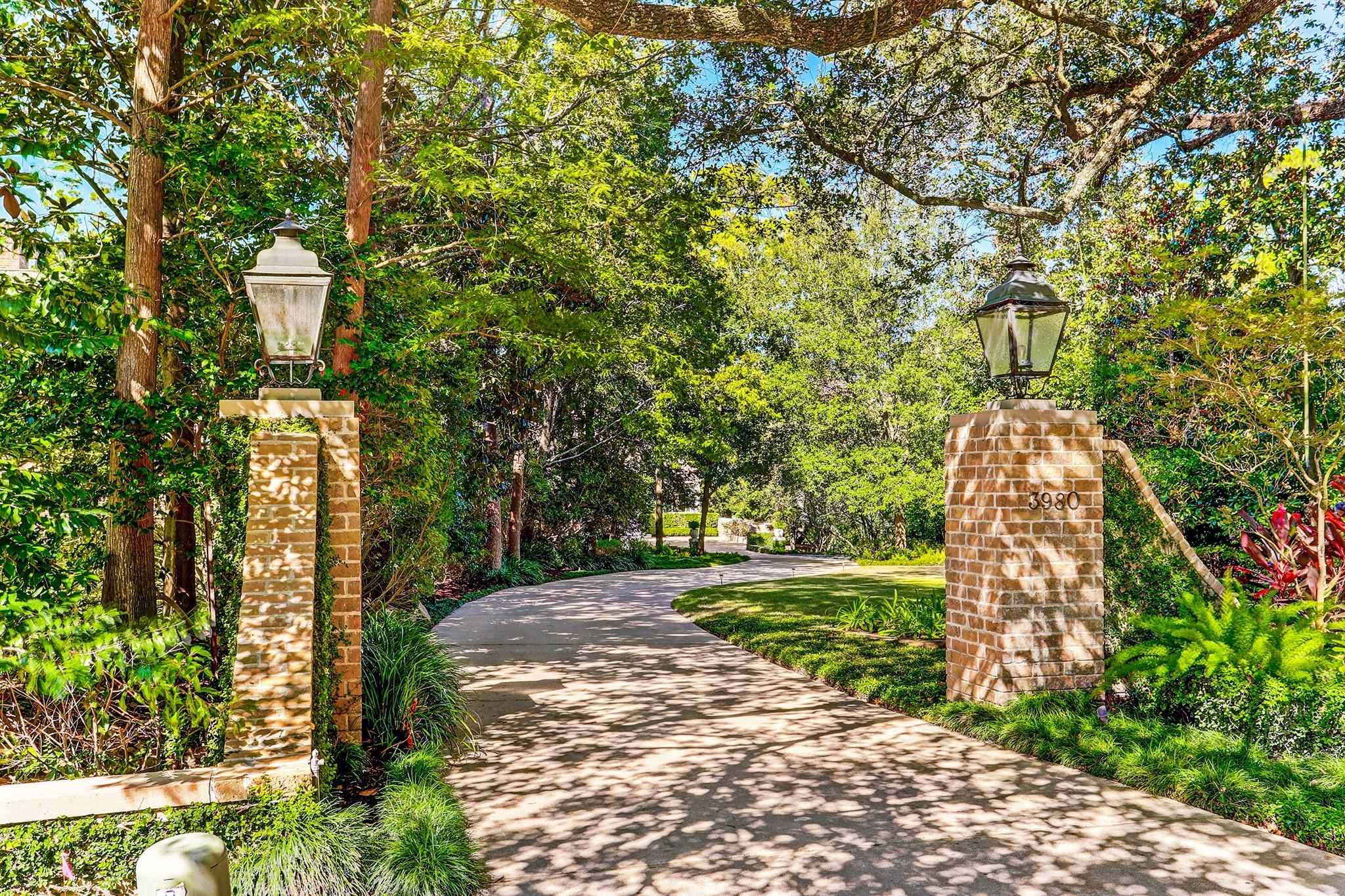 3980 Inverness Drive Property Photo - Houston, TX real estate listing