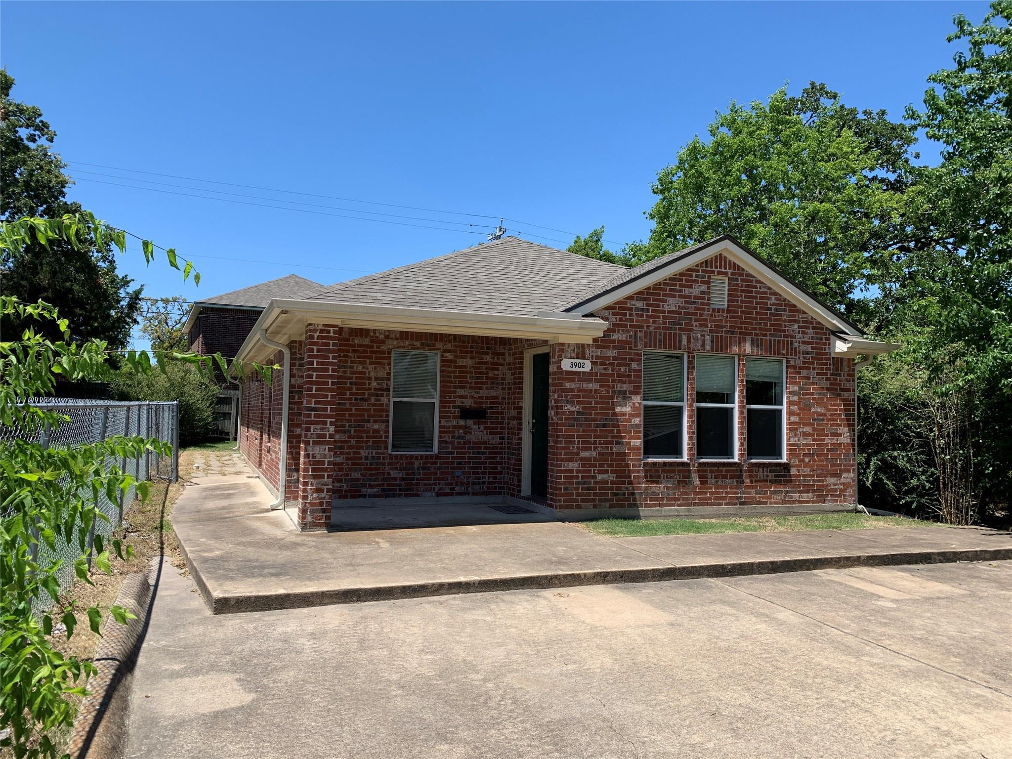 3902 Aspen Street Property Photo - Bryan, TX real estate listing