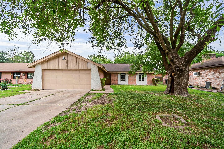 211 La Fonda Drive Property Photo