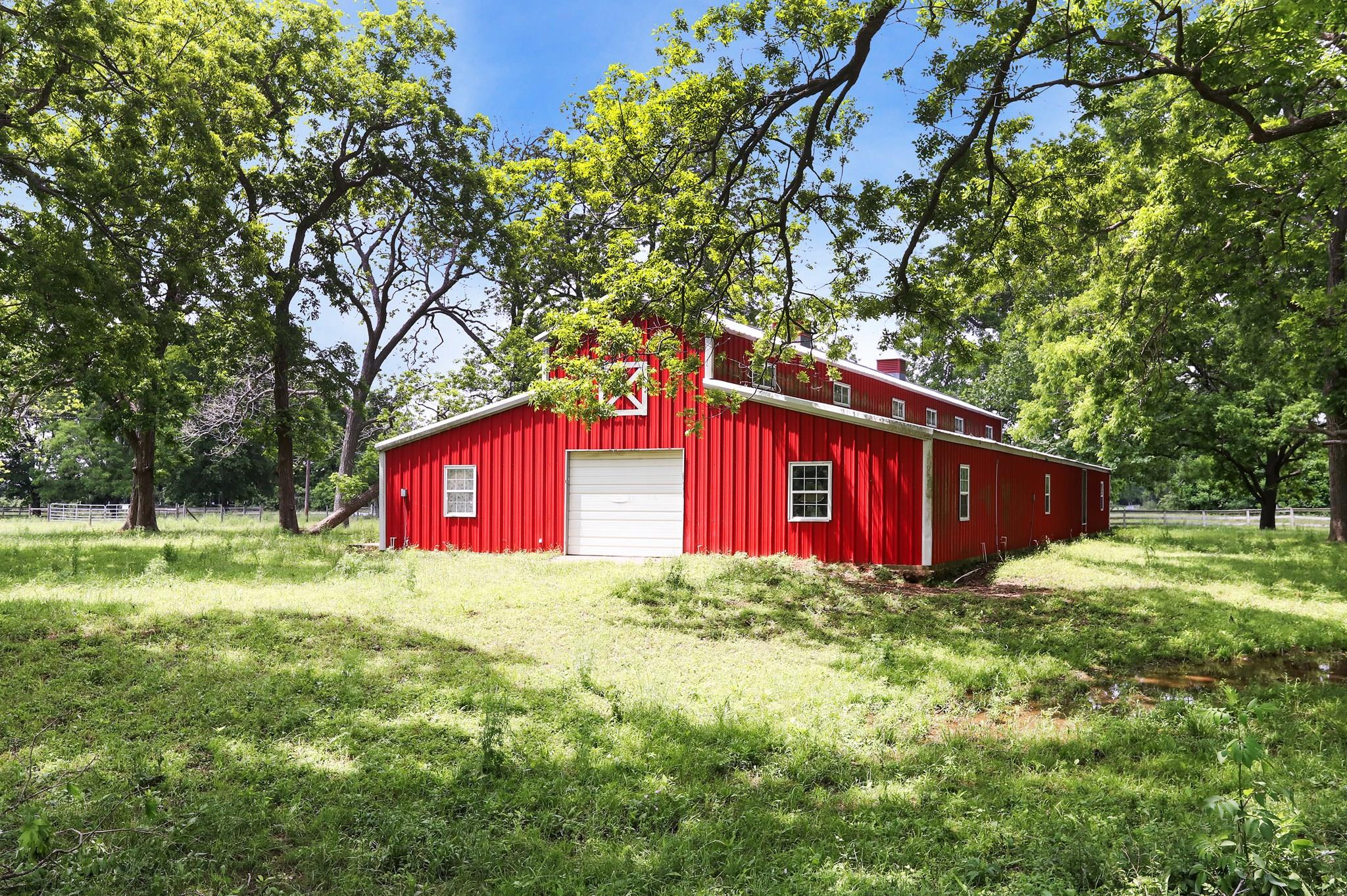 1905 Peach Ridge Road Property Photo - Brookshire, TX real estate listing
