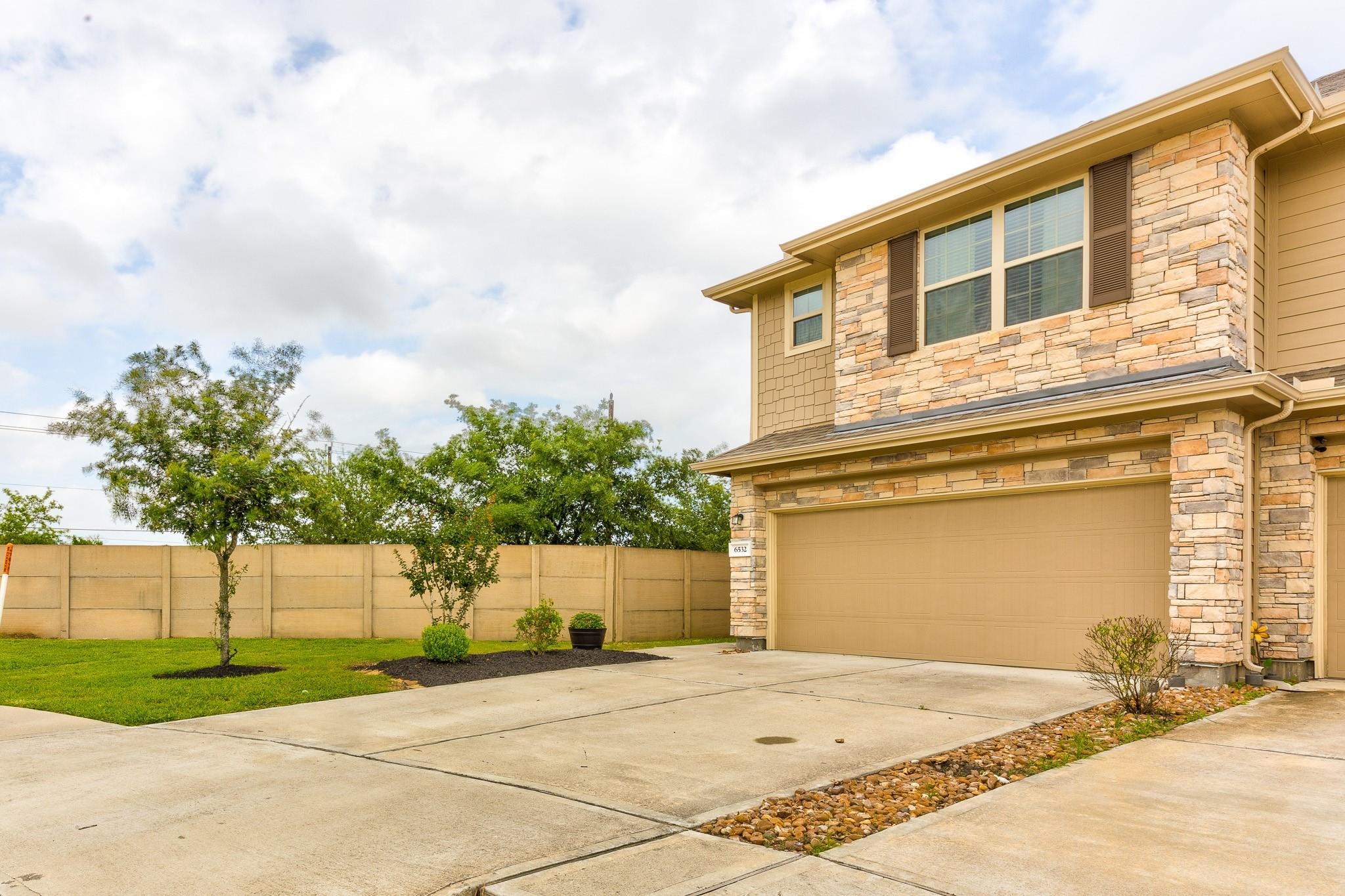 6532 Stoney Creek Drive Property Photo