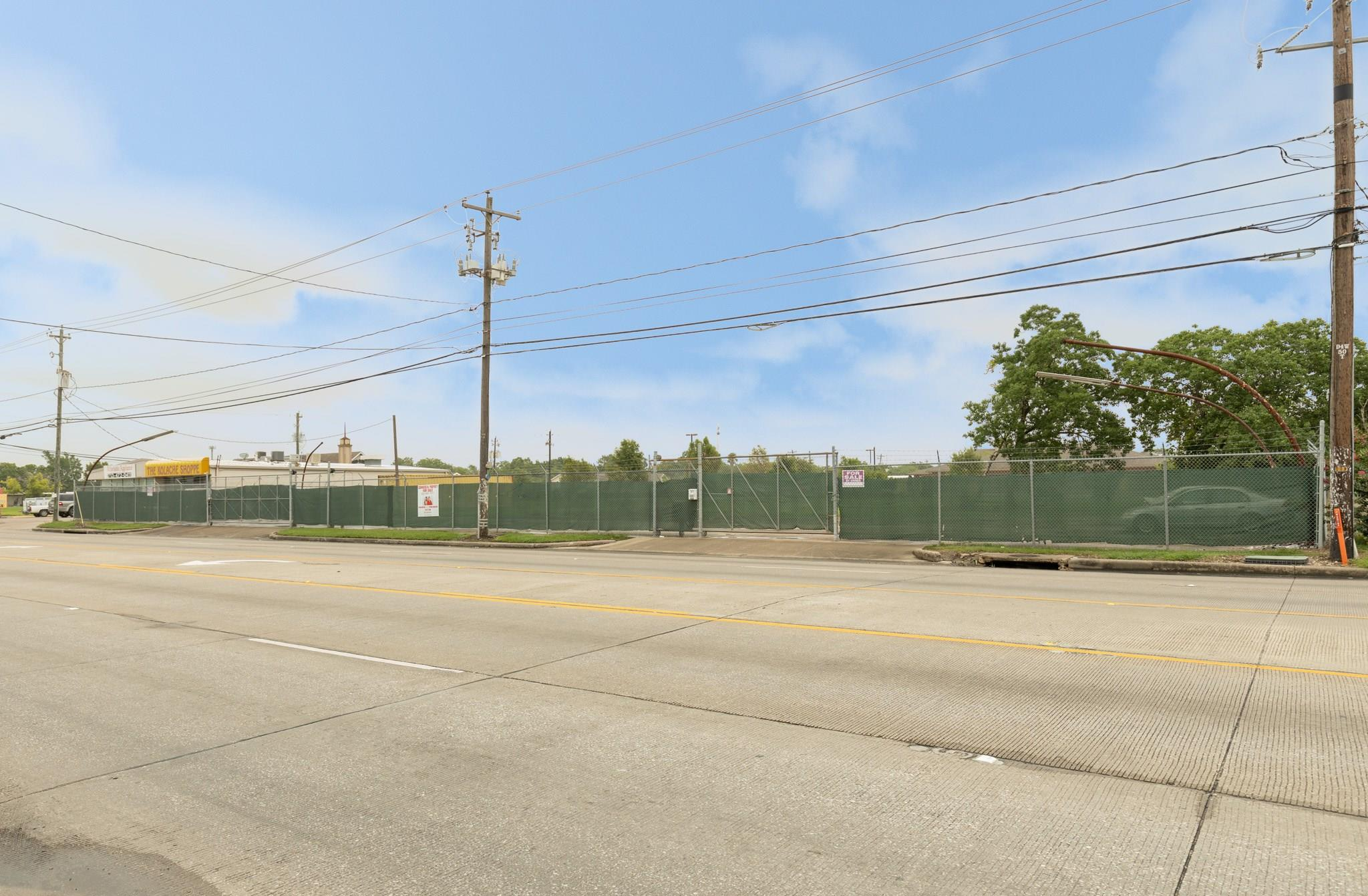 1811 Shaver Street Property Photo - Pasadena, TX real estate listing