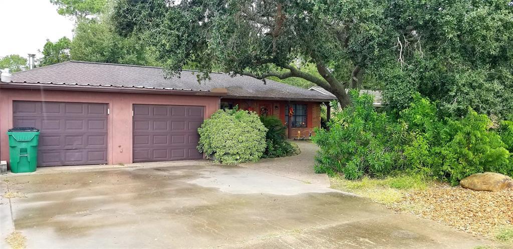 2002 W Norris Street, El Campo, TX 77437 - El Campo, TX real estate listing