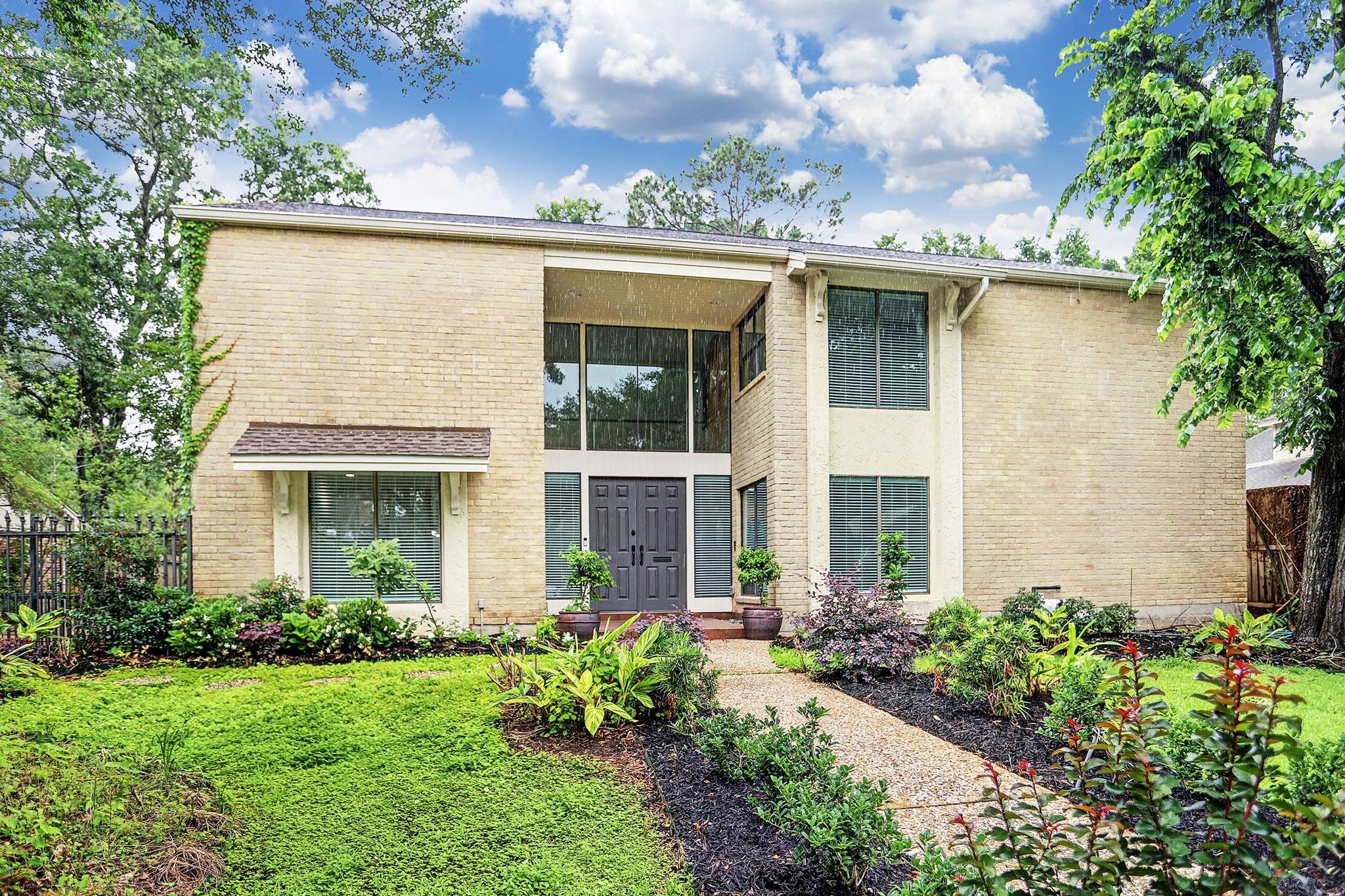 10118 Briar Drive Property Photo 1