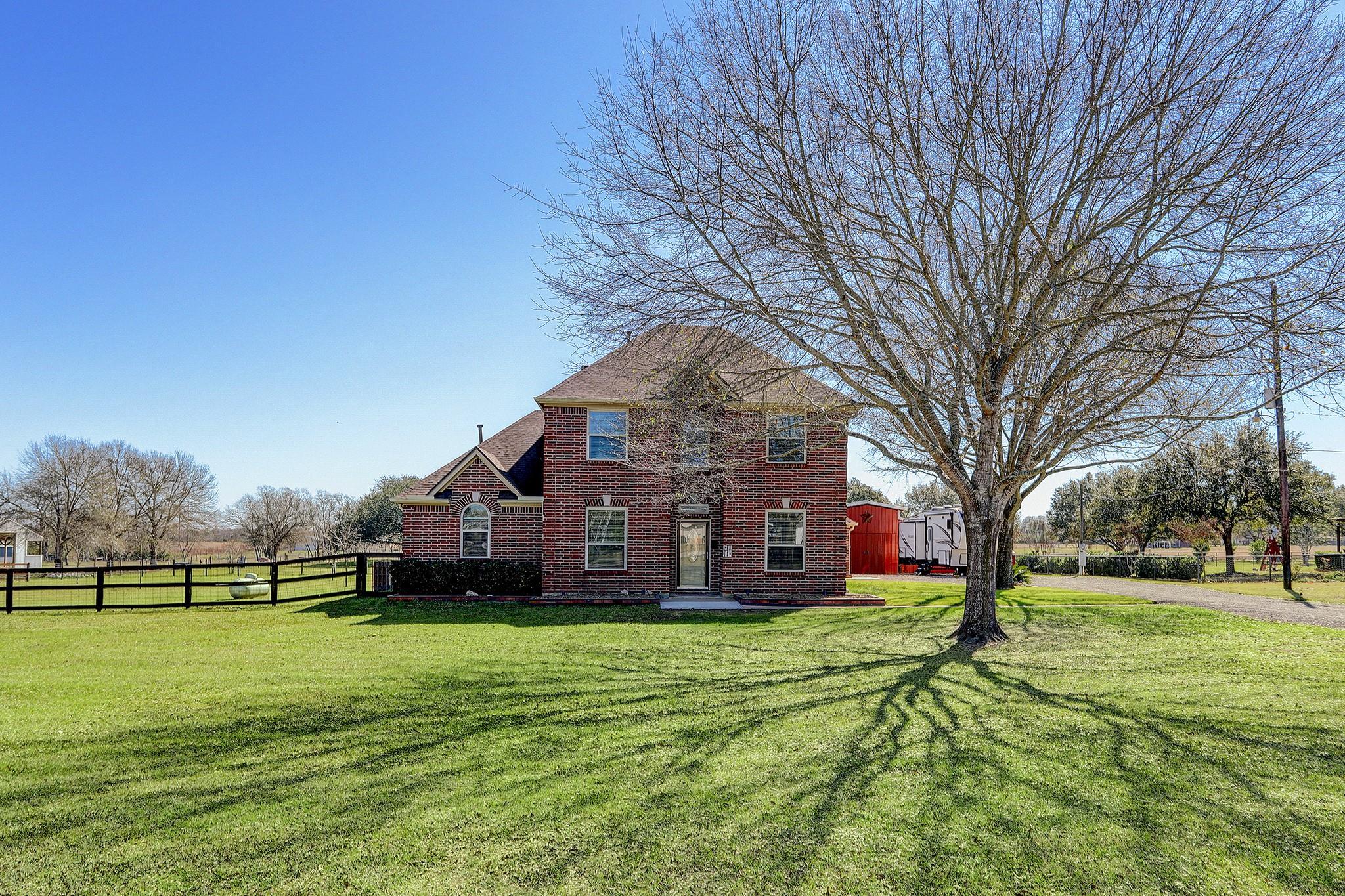1819 Lakeside Drive Property Photo