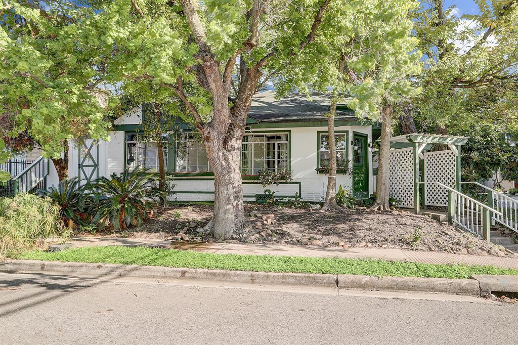 617 W Clay Street Property Photo - Houston, TX real estate listing