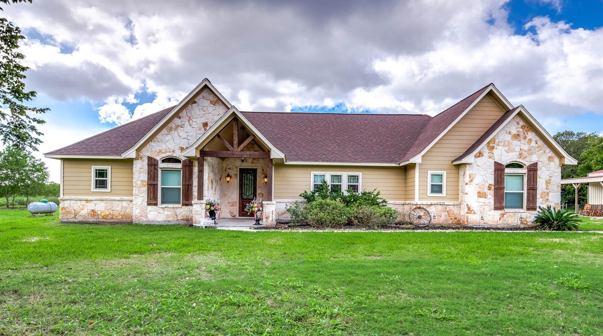 1301 County Road 486 Property Photo - Brazoria, TX real estate listing