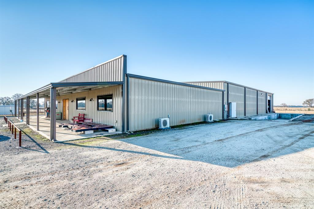 6001 I-45 Property Photo - Madisonville, TX real estate listing