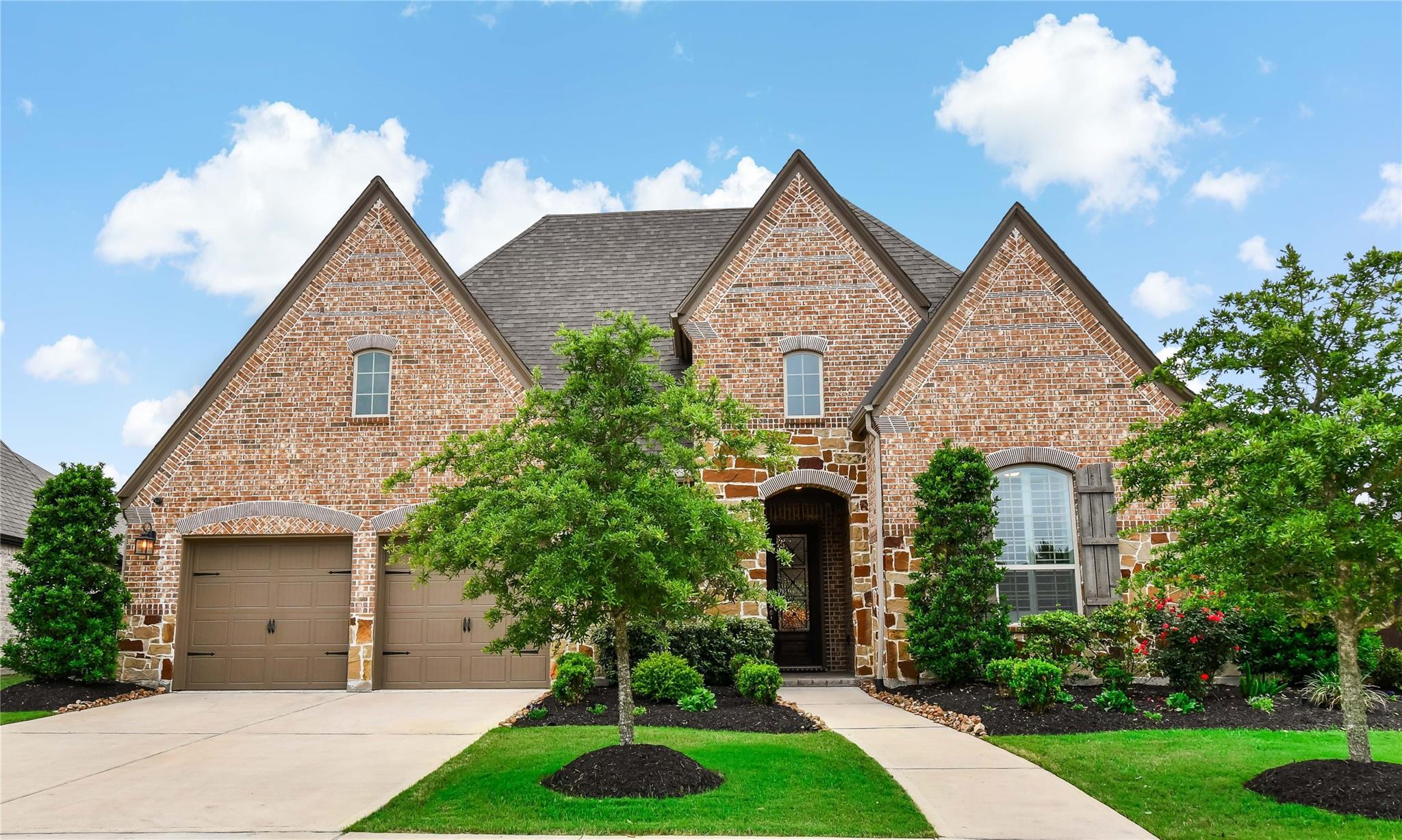9931 Hubble Drive Property Photo - Iowa Colony, TX real estate listing