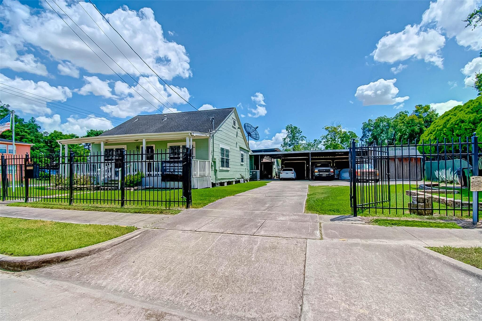 6940 Hemlock Street Property Photo - Houston, TX real estate listing