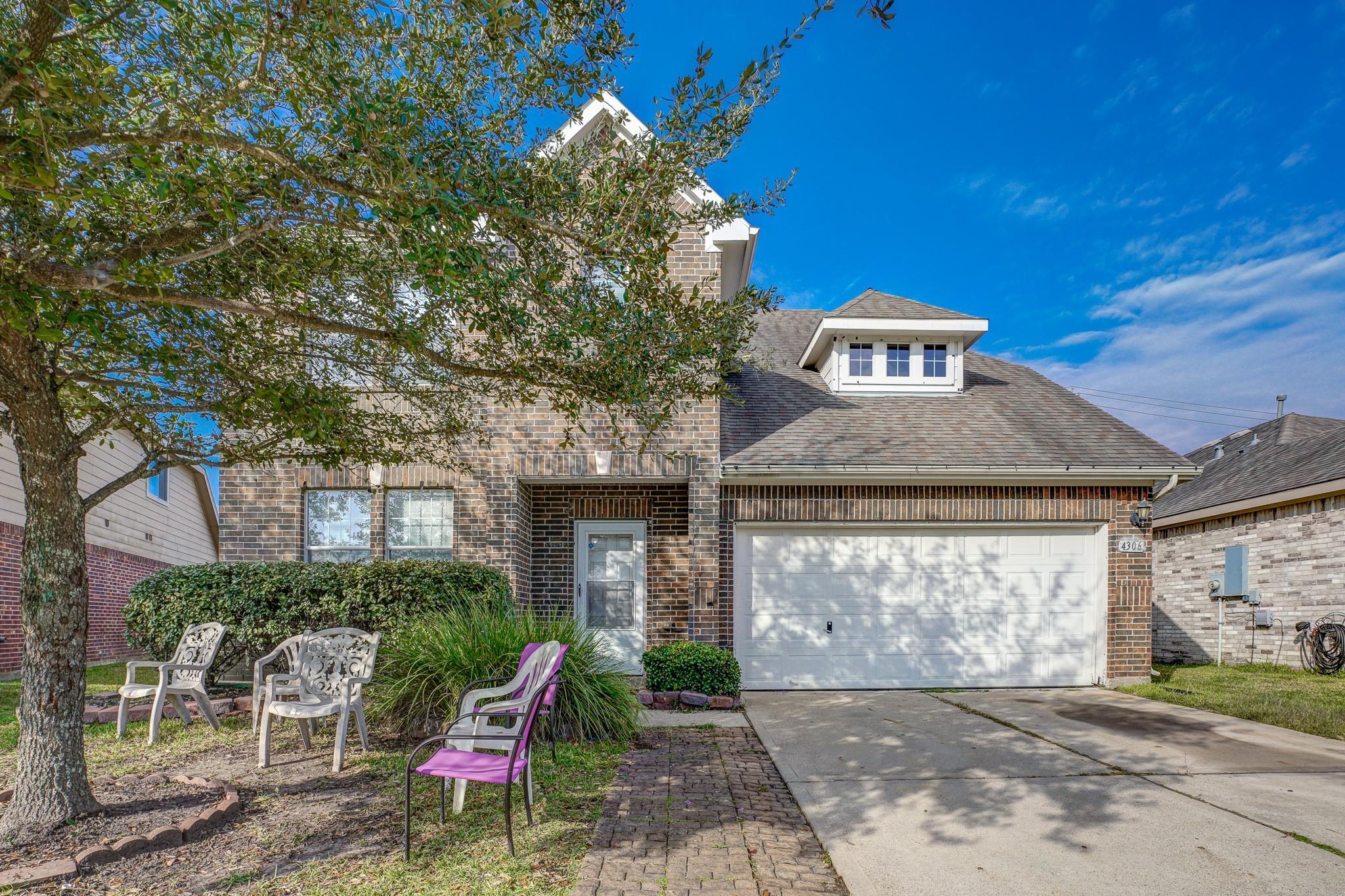 4306 N Meadow Drive Property Photo - Deer Park, TX real estate listing