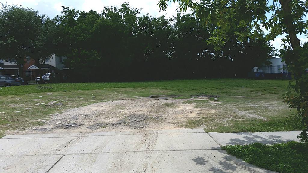 3208 Lyons Avenue Property Photo