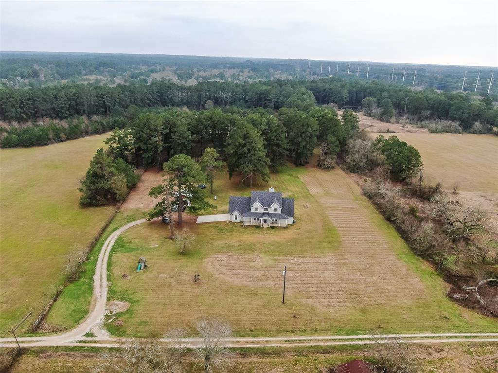 7420 County Road 202 Property Photo - Plantersville, TX real estate listing