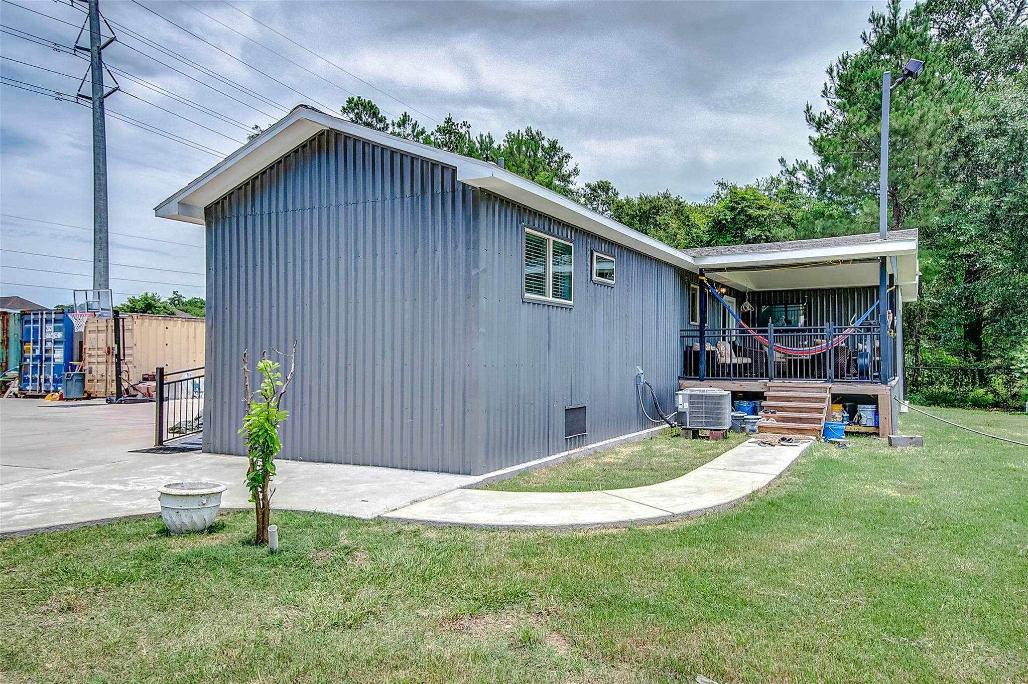 6715 Maple Drive Property Photo