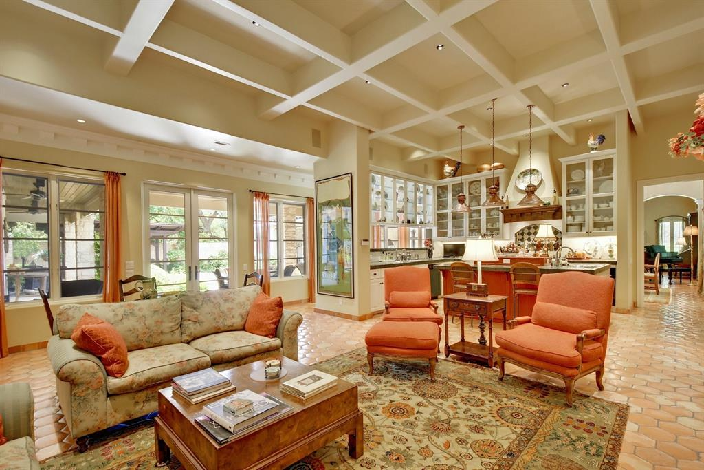 3908 Island Knoll Drive Property Photo - Austin, TX real estate listing