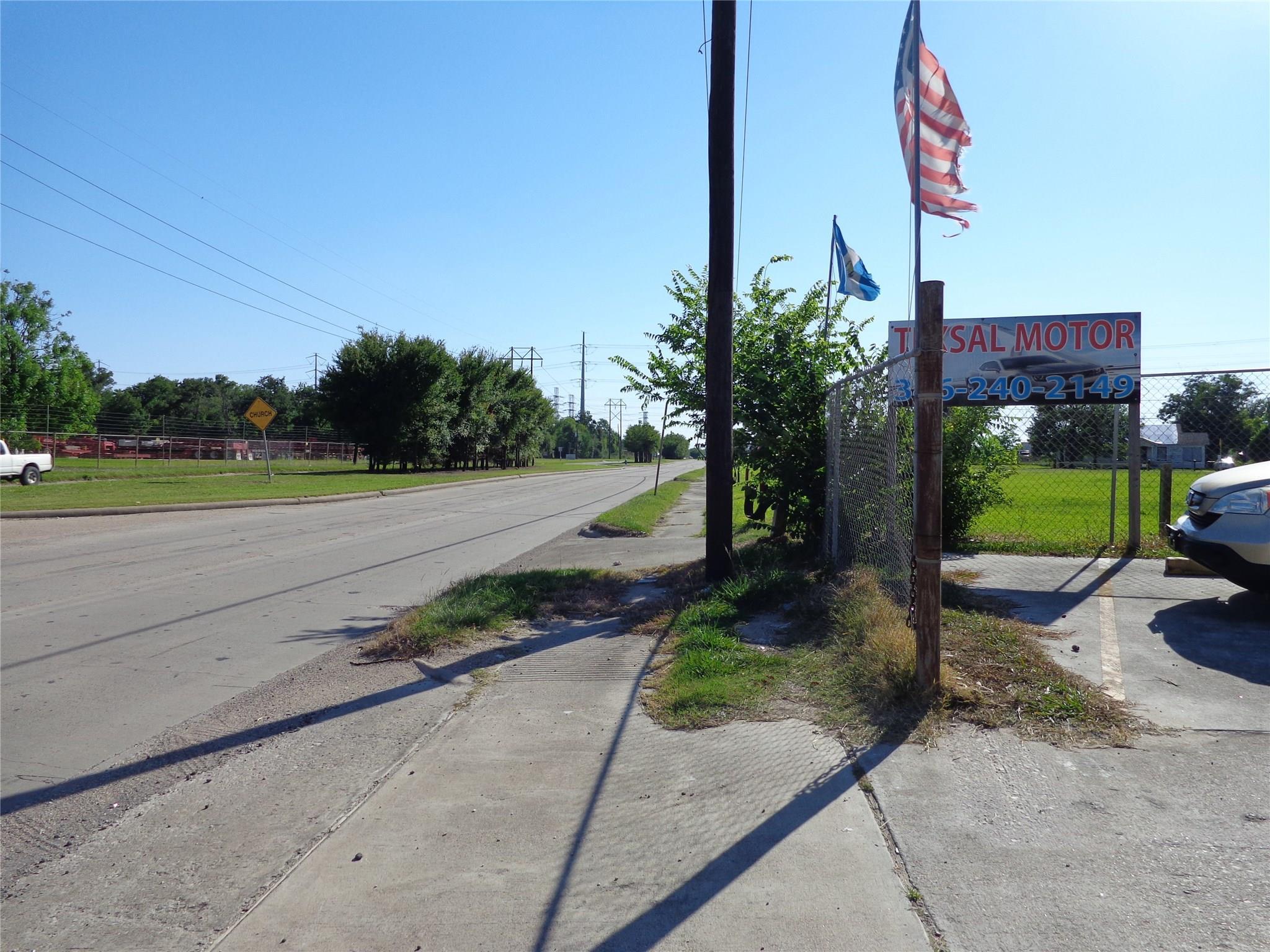 11727 Wallisville Road Property Photo