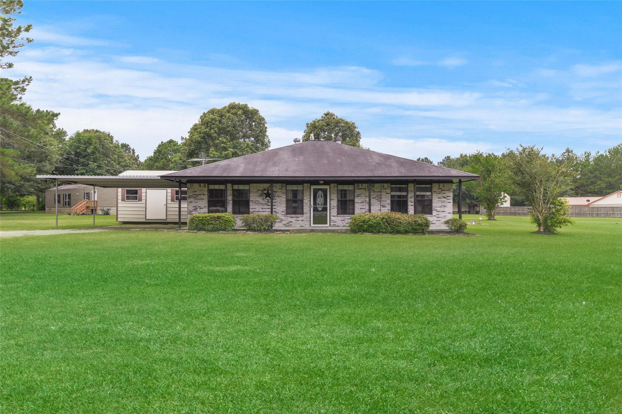 9285 Oak Bend Court Property Photo 1