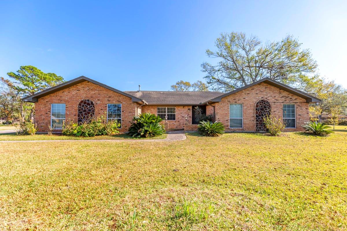 186 Tiger Lilly Street Property Photo - Bridge City, TX real estate listing