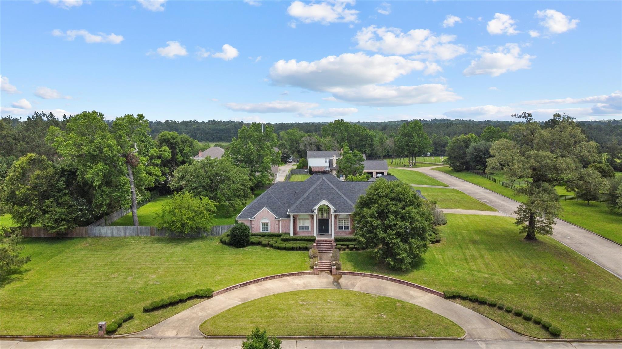 209 Oak Crest Drive Property Photo