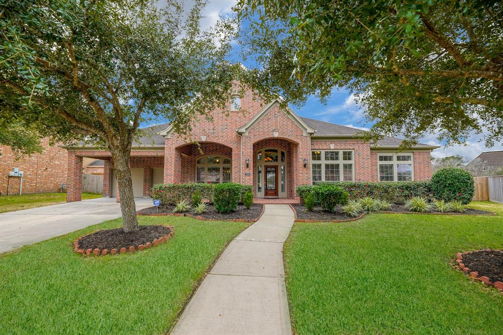 3104 Richard Lane Property Photo - Friendswood, TX real estate listing