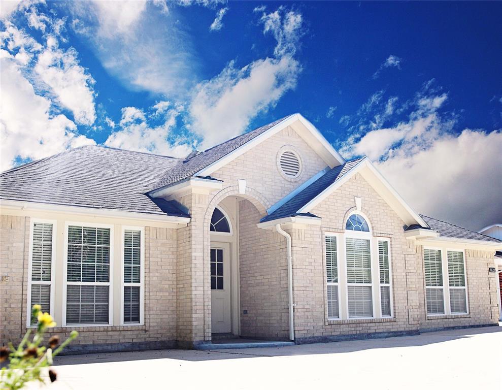 1827 Isom Street Property Photo - Houston, TX real estate listing
