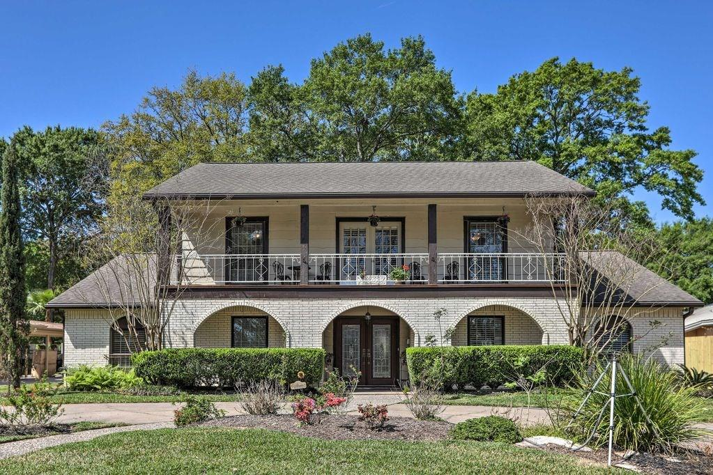 18626 Point Lookout Drive Property Photo - Nassau Bay, TX real estate listing