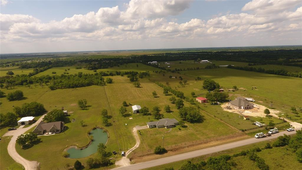 4900 County Road 392 Property Photo - Alvin, TX real estate listing