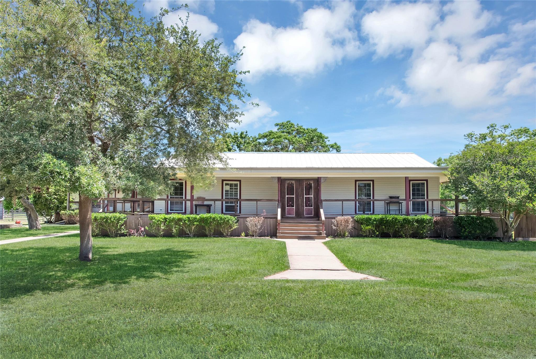 8303 Galler Road Property Photo