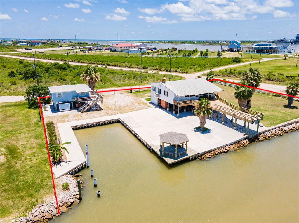 1134 Canal Drive Property Photo - Surfside Beach, TX real estate listing