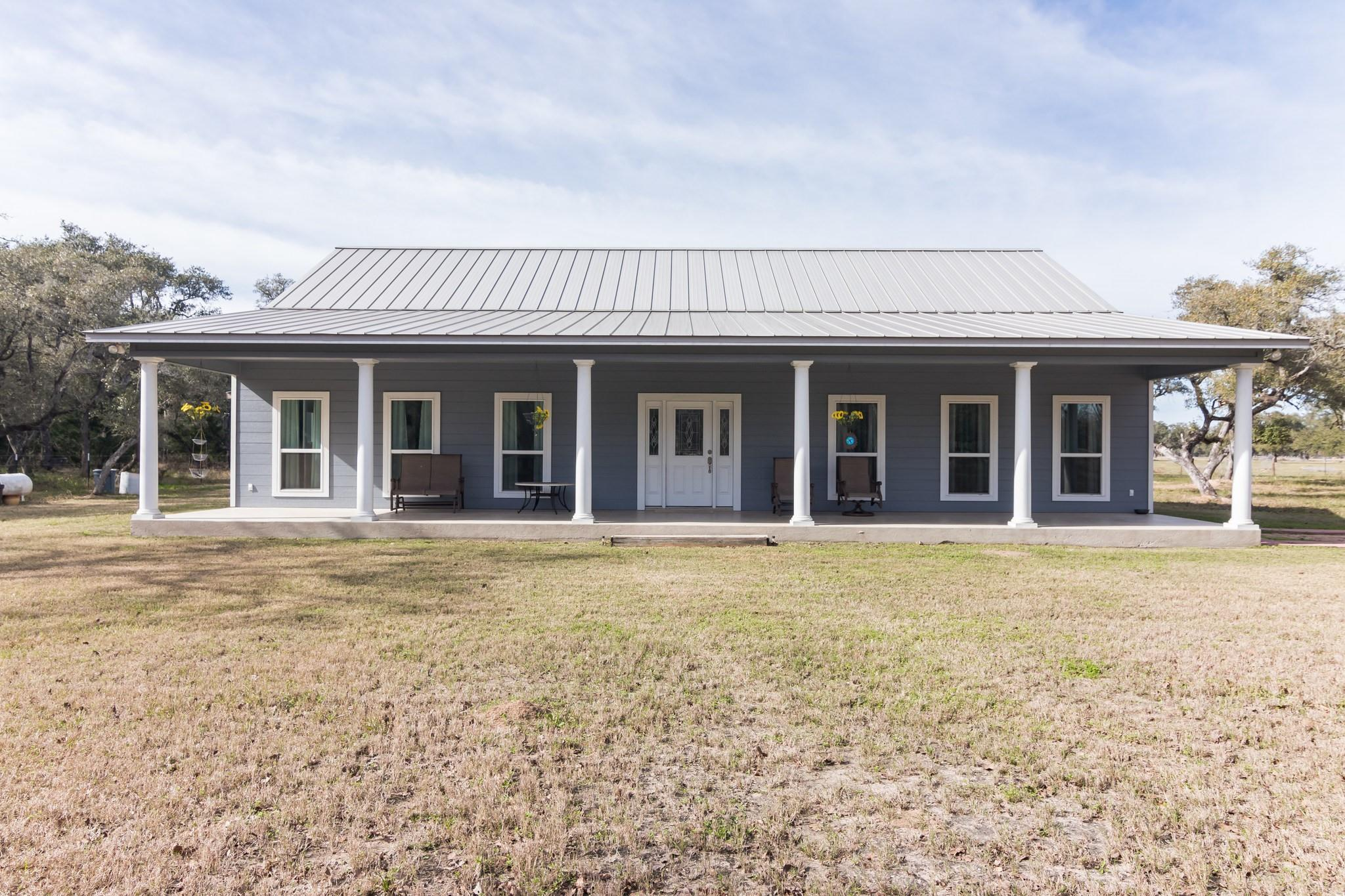 286 Private Road 1051 Property Photo - Hallettsville, TX real estate listing