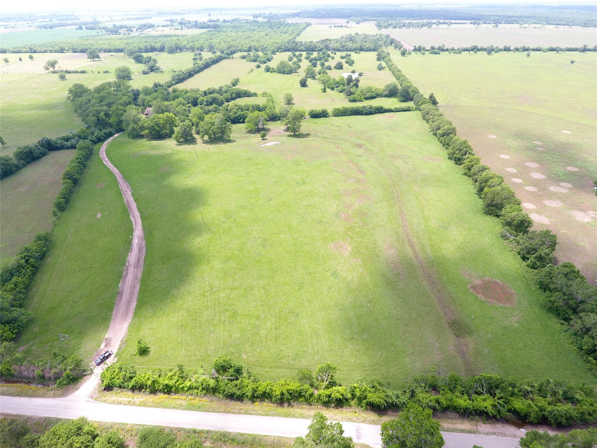9951 County Road 105 Property Photo - Boling, TX real estate listing