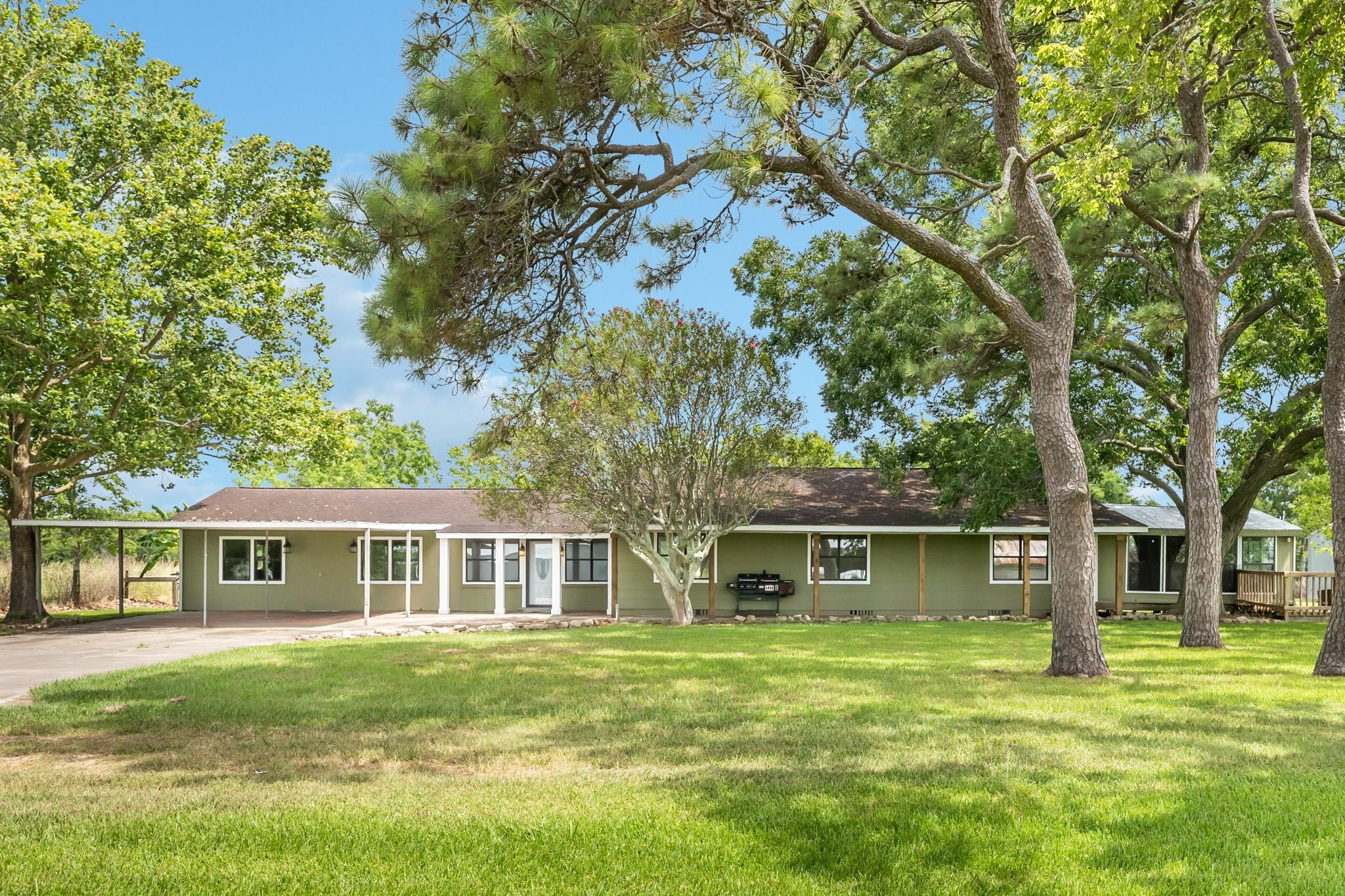 27243 Highway 36 Property Photo - Damon, TX real estate listing