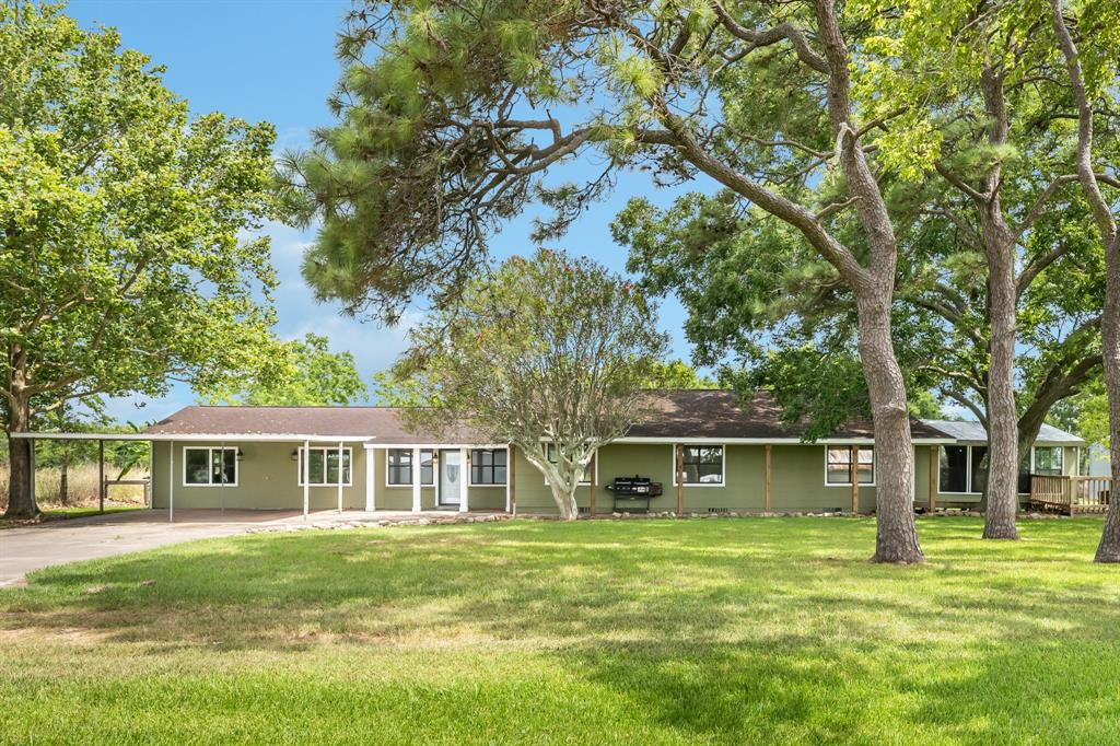 27243 Highway 36 Property Photo - Damon, TX real estate listing
