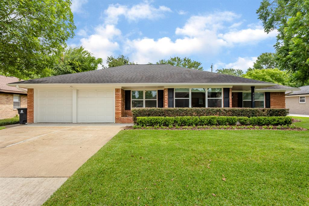 4826 Knickerbocker Street Property Photo - Houston, TX real estate listing