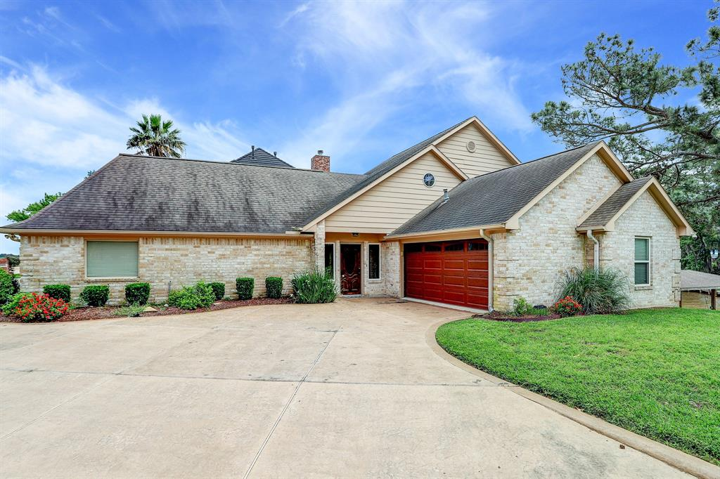 20102 Atascocita Shores Drive Property Photo - Humble, TX real estate listing