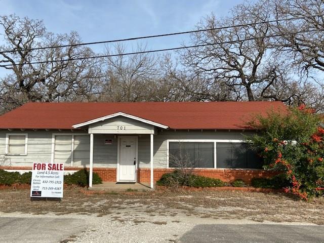 701 E Highway 199 Property Photo - Springtown, TX real estate listing