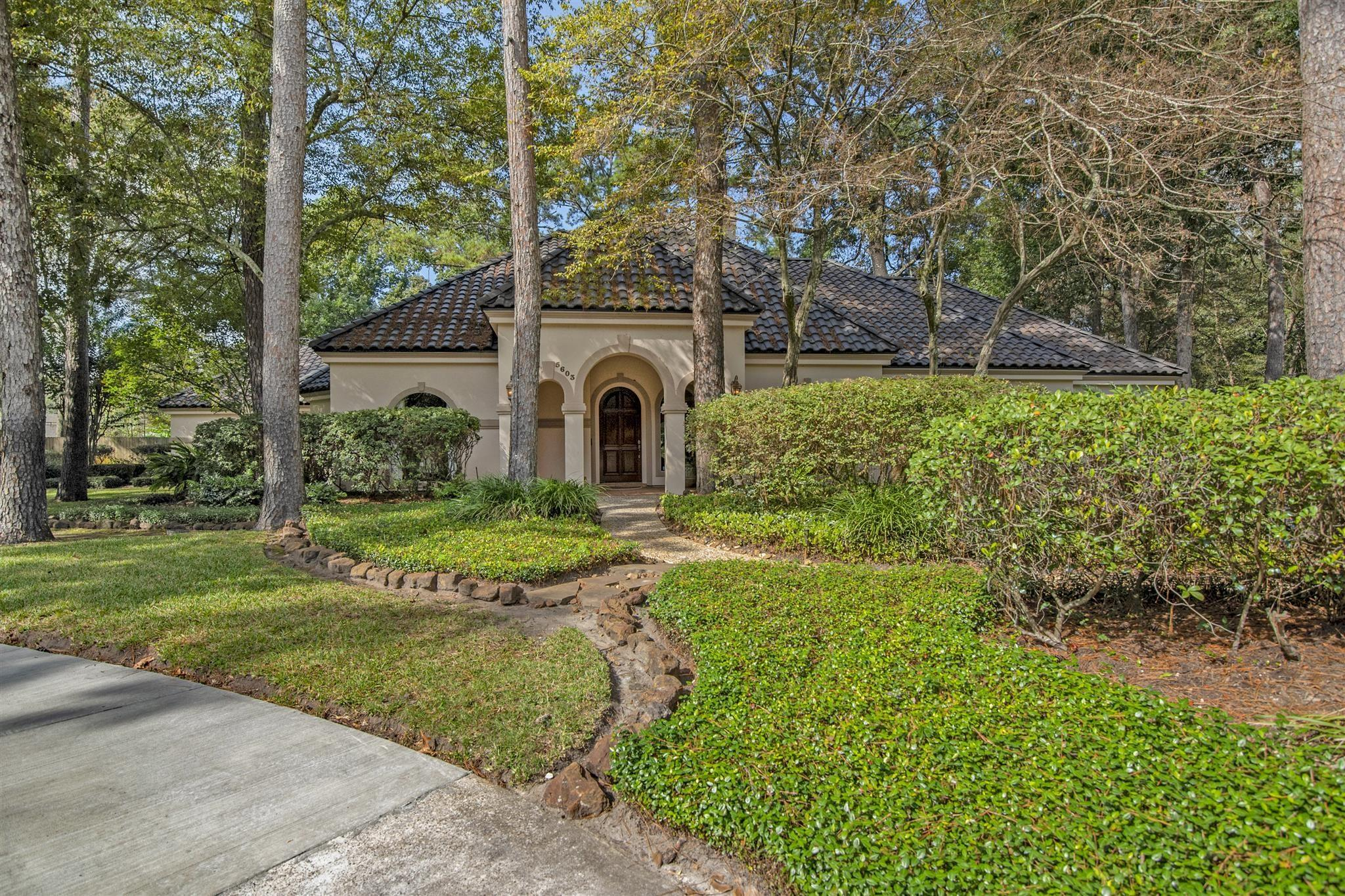 5603 Wooded Villas Drive Property Photo - Kingwood, TX real estate listing