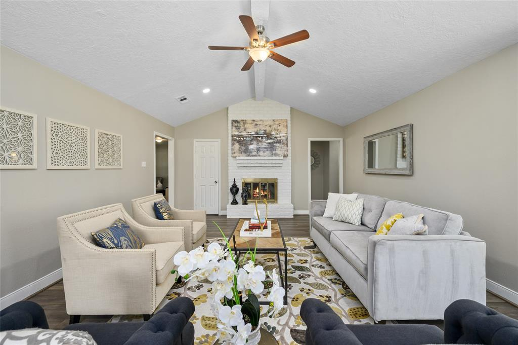 12219 Meadow Berry Drive, Meadows Place, TX 77477 - Meadows Place, TX real estate listing