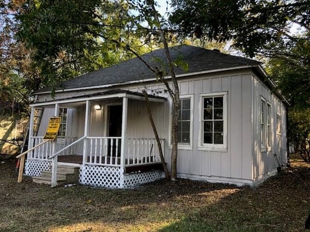 505 E French Street Property Photo - Cuero, TX real estate listing