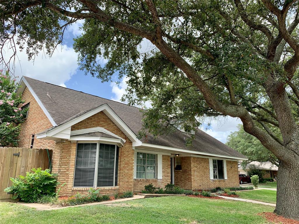 608 Glenmore Drive Property Photo - Pasadena, TX real estate listing